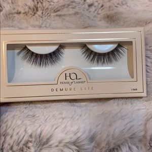 HOUSE OF LASHES: DEMIRE LITE
